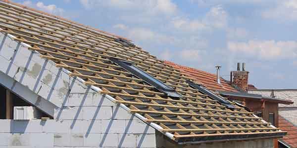 Nieuw dak aanleggen in de regio Wellen
