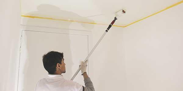 Plafond schilderen met vinylverf