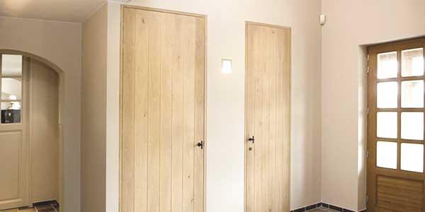 Houten binnendeuren laten plaatsen