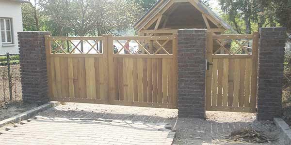 Houten poort laten maken