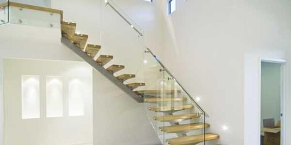 Trappen: voorbeeld van een trap met kwartdraai